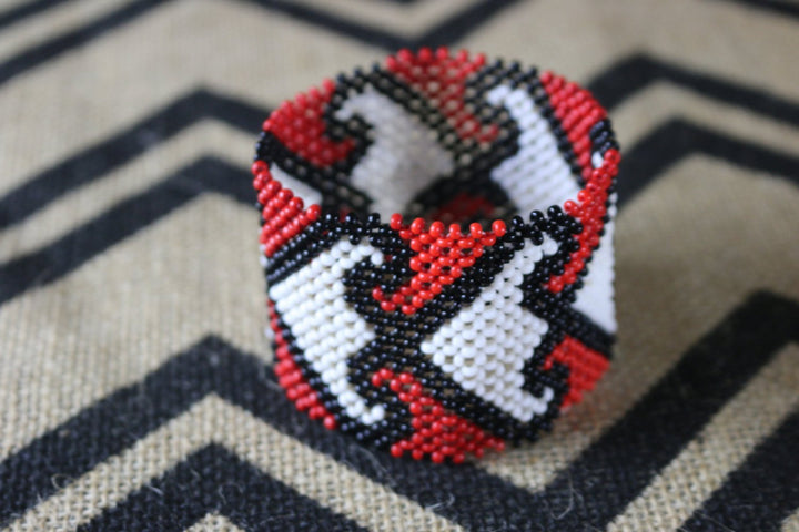 Art# K224  3.5+ inch. Original Kayapo Traditional Peyote stitch Beaded Bracelet from Brazil.