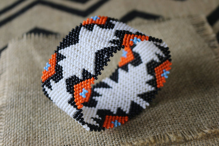 Art# K235  4+ inch. Original Kayapo Traditional Peyote stitch Beaded Bracelet from Brazil.
