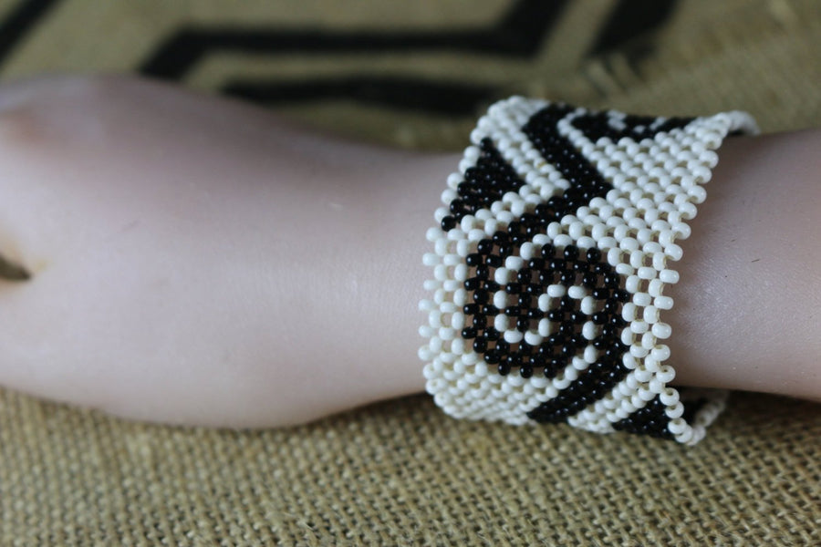 Art# K242  3+ inch. Original Kayapo Traditional Peyote stitch Beaded Bracelet from Brazil.