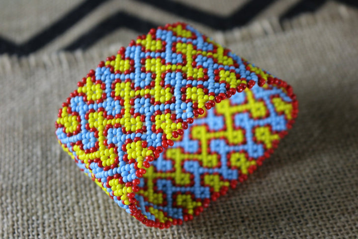Art# K259  4 inch. Original Kayapo Traditional Peyote stitch Beaded Bracelet from Brazil.