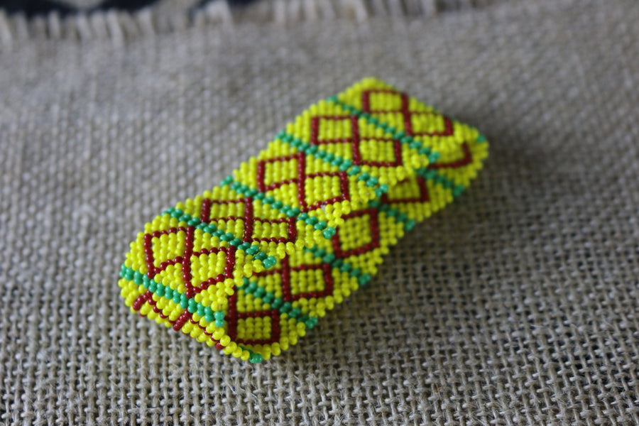 Art# K265  3+ inch. Original Kayapo Traditional Peyote stitch Beaded Bracelet from Brazil.