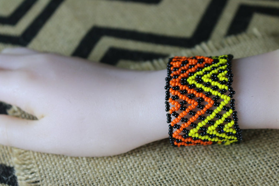 Art# K269  4+ inch. Original Kayapo Traditional Peyote stitch Beaded Bracelet from Brazil.