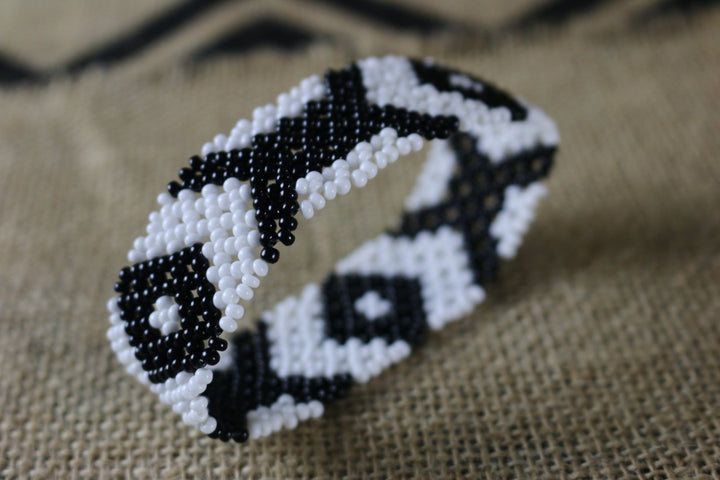 Art# K303  3.5+  inch. Original Kayapo Traditional Peyote stitch Beaded Bracelet from Brazil.