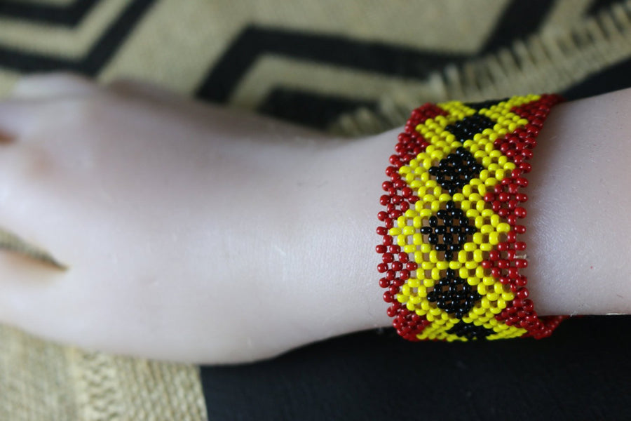 Art# K306  3.5+  inch. Original Kayapo Traditional Peyote stitch Beaded Bracelet from Brazil.