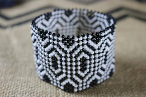 Art# K319  3.5+ inch. Original Kayapo Traditional Peyote stitch Beaded Bracelet from Brazil