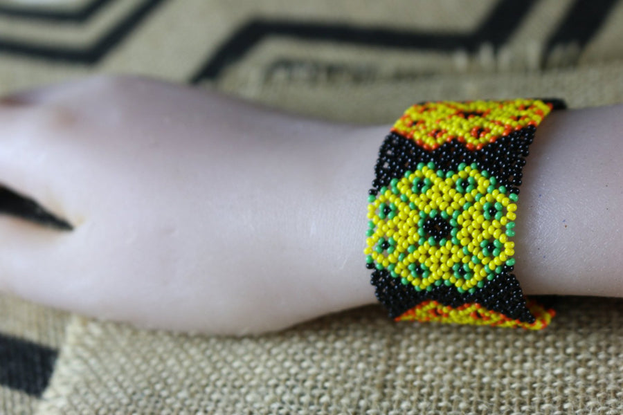 Art# K336  3+ inch. Original Kayapo Traditional Peyote stitch Beaded Bracelet from Brazil