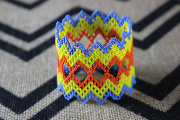 Art# K345  3+ inch. Original Kayapo Traditional Peyote stitch Beaded Bracelet from Brazil