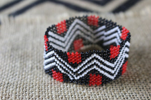 Art# K359  3+ inch. Original Kayapo Traditional Peyote stitch Beaded Bracelet from Brazil