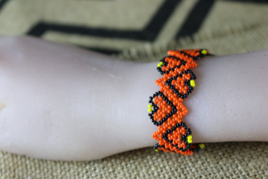 Art# K374  3+  inch. Original Kayapo Traditional Peyote stitch Beaded Bracelet from Brazil
