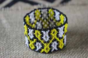 Art# K378  2.5+ inch. Original Kayapo Traditional Peyote stitch Beaded Bracelet from Brazil