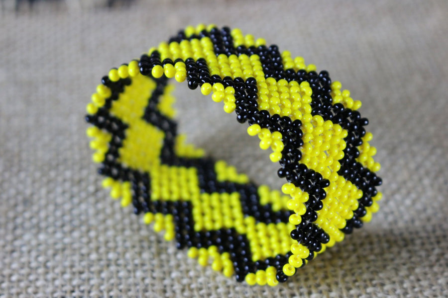 Art# K416 - 3+ inch. Original Kayapo Traditional Peyote stitch Beaded Bracelet from Brazil