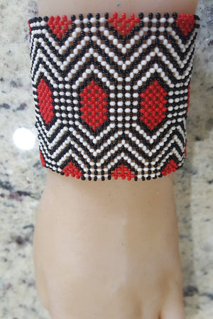 Art# K1  3.5 inch Original Kayapo Traditional Peyote stitch Glass Beaded Bracelet from Brazil.