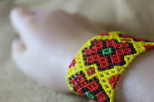 Art# K19 3 inch  Original Kayapo Traditional Peyote stitch Beaded Bracelet from Brazil.
