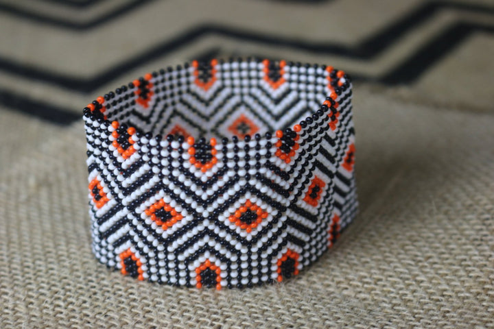 Art# K35  3.5 inch Original Kayapo Traditional Peyote stitch Beaded Bracelet from Brazil.