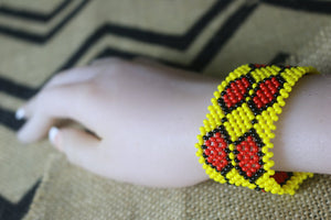 Art# K51 4 inch Original Kayapo Traditional Peyote stitch Beaded Bracelet from Brazil.