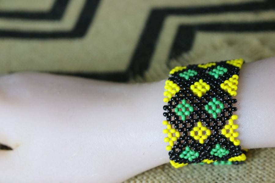 Art# K92  3.5+ inch Original Kayapo Traditional Peyote stitch Beaded Bracelet from Brazil.