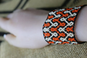 Art# K93  3+ inch Original Kayapo Traditional Peyote stitch Beaded Bracelet from Brazil.