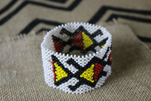 Art# K107  4 inch Original Kayapo Traditional Peyote stitch Beaded Bracelet from Brazil.