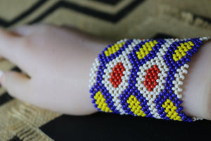 Art# K130 4 inch Original Kayapo Traditional Peyote stitch Beaded Bracelet from Brazil.