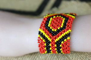 Art# K136  3.5+ inch Original Kayapo Traditional Peyote stitch Beaded Bracelet from Brazil.
