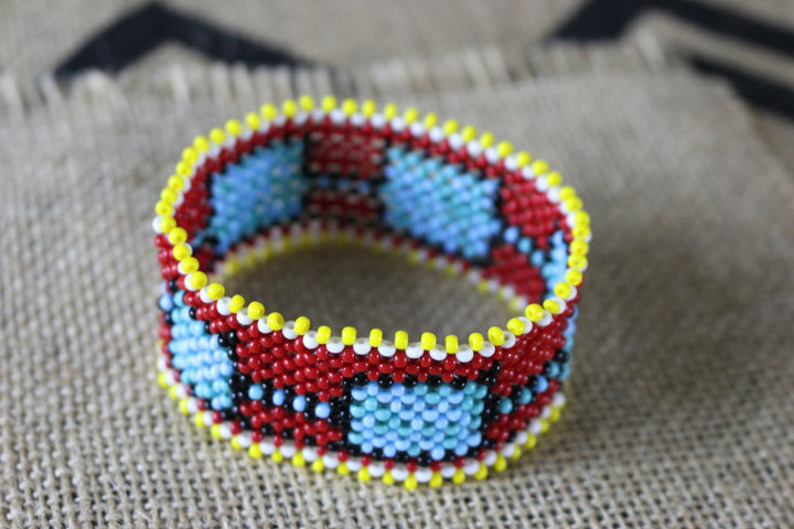 Art# K154  3.5+ inch Original Kayapo Traditional Peyote stitch Beaded Bracelet from Brazil.