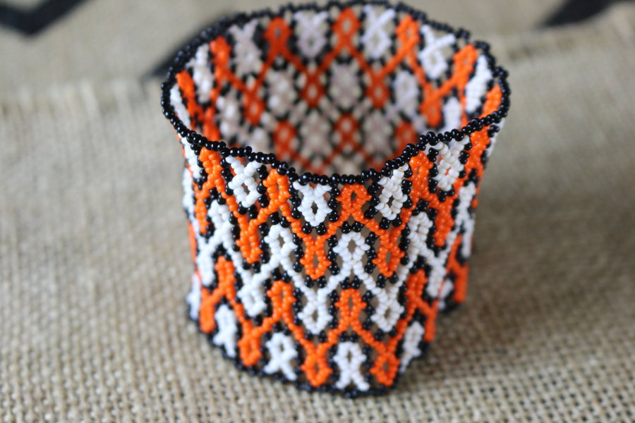 Art# K159  3.5 inch Original Kayapo Traditional Peyote stitch Beaded Bracelet from Brazil.