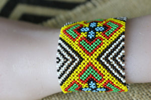 Art# K164  3.5 inch Original Kayapo Traditional Peyote stitch Beaded Bracelet from Brazil.