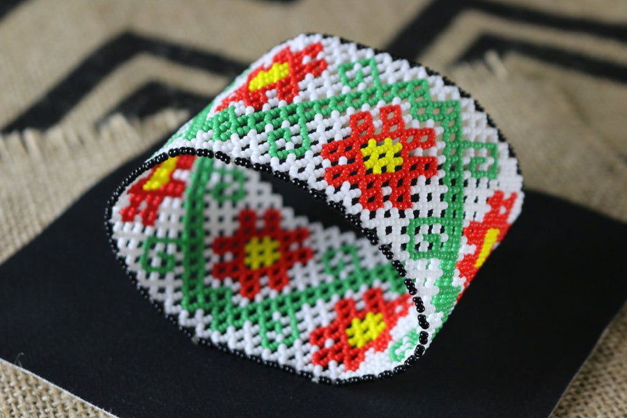 Art# K170  4 inch Original Kayapo Traditional Peyote stitch Beaded Bracelet from Brazil.