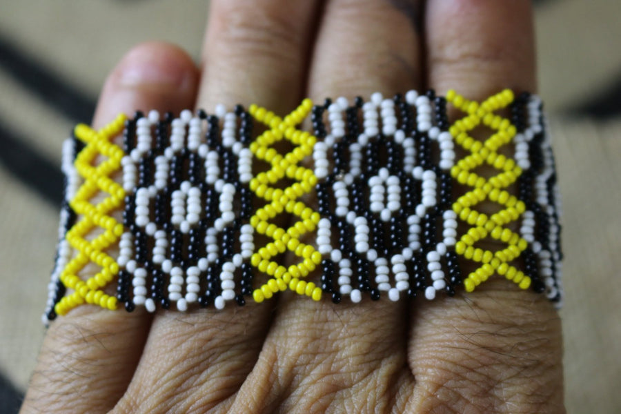 Art# K176 3 inch Original Kayapo Traditional Peyote stitch Beaded Bracelet from Brazil.