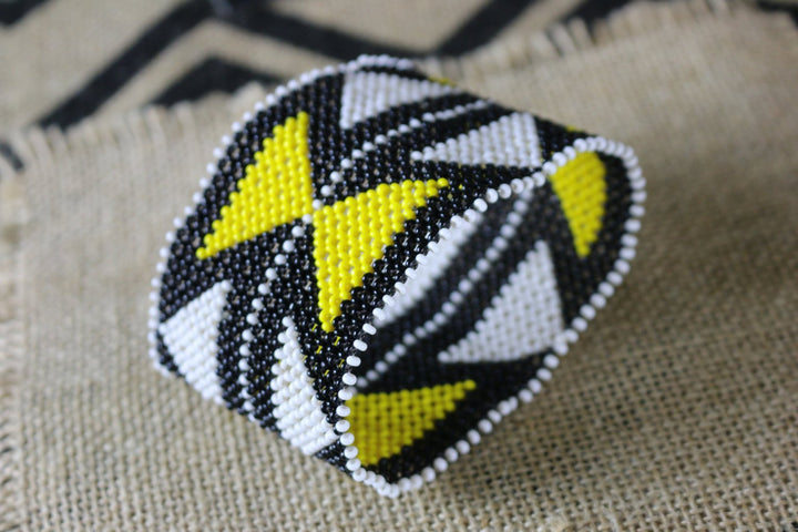 Art# K183  4 inch. Original Kayapo Traditional Peyote stitch Beaded Bracelet from Brazil.