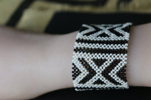 Art# K196  4+ inch. Original Kayapo Traditional Peyote stitch Beaded Bracelet from Brazil.