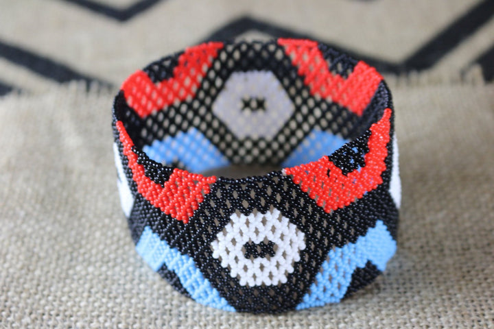 Art# K204  4.5 inch. Original Kayapo Traditional Peyote stitch Beaded Bracelet from Brazil.