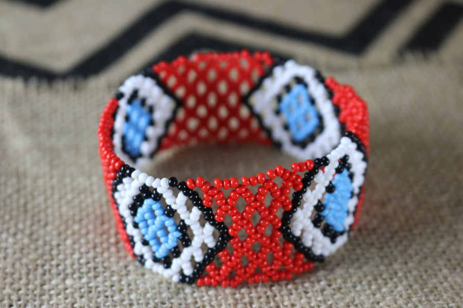 Art# K208  4 inch. Original Kayapo Traditional Peyote stitch Beaded Bracelet from Brazil.