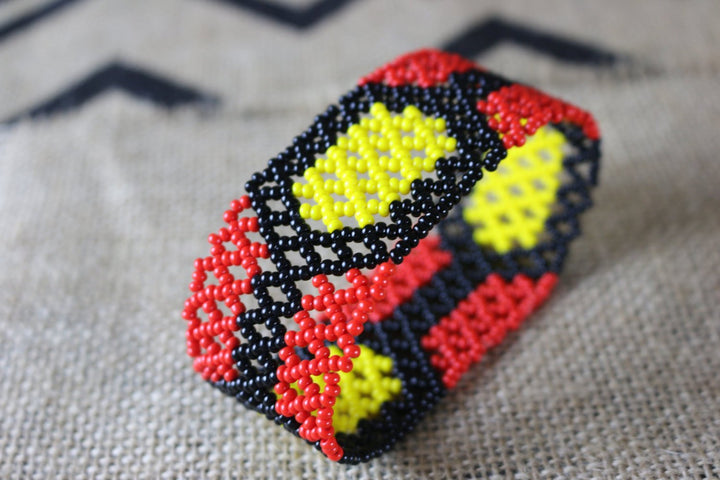 Art# K213  4 inch. Original Kayapo Traditional Peyote stitch Beaded Bracelet from Brazil.