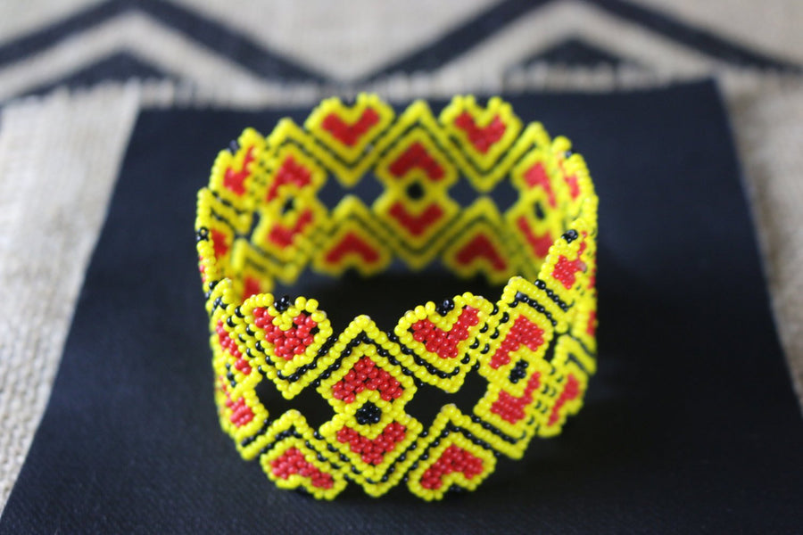 Art# K228  3.5+ inch. Original Kayapo Traditional Peyote stitch Beaded Bracelet from Brazil.