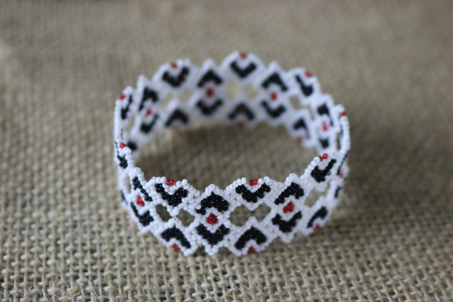 Art# K231  3+ inch. Original Kayapo Traditional Peyote stitch Beaded Bracelet from Brazil.