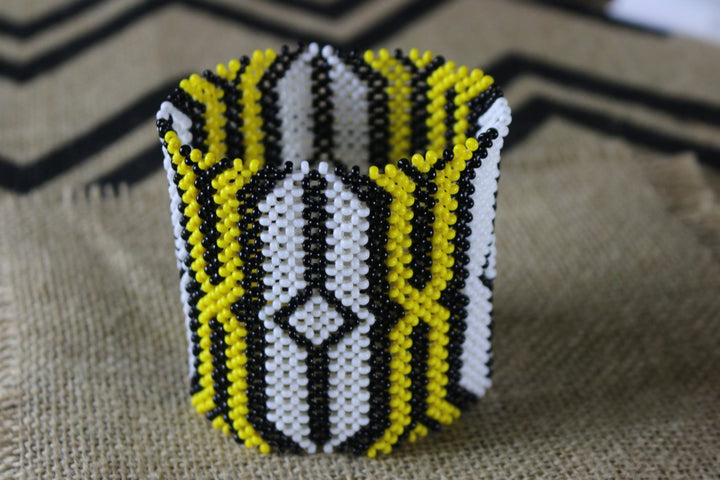Art# K237  4 inch. Original Kayapo Traditional Peyote stitch Beaded Bracelet from Brazil.