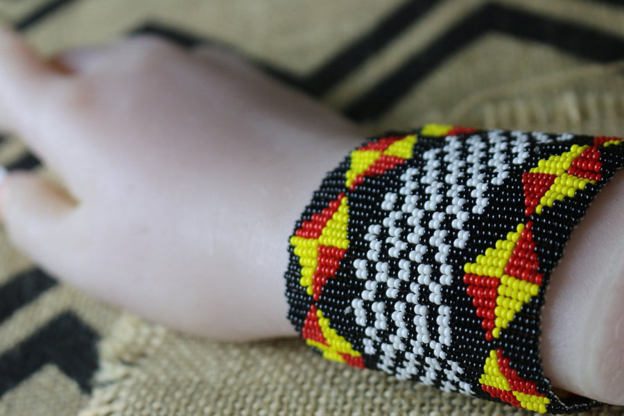 Art# K238  3.5+ inch. Original Kayapo Traditional Peyote stitch Beaded Bracelet from Brazil.