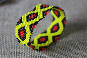 Art# K274  3+ inch. Original Kayapo Traditional Peyote stitch Beaded Bracelet from Brazil.