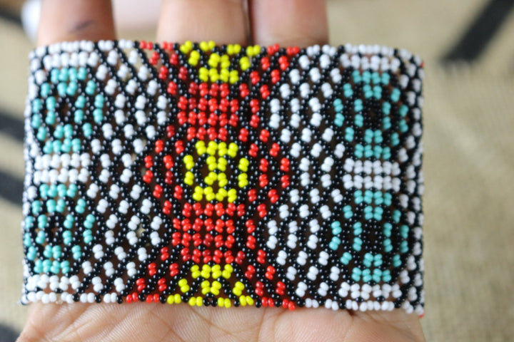 Art# K279  3.5+ inch. Original Kayapo Traditional Peyote stitch Beaded Bracelet from Brazil.