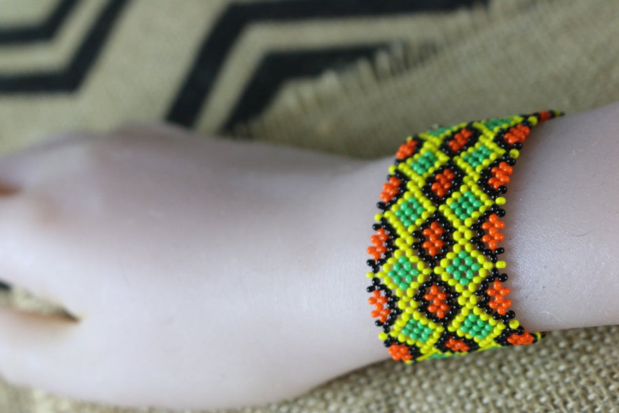 Art# K283  3+ inch. Original Kayapo Traditional Peyote stitch Beaded Bracelet from Brazil.