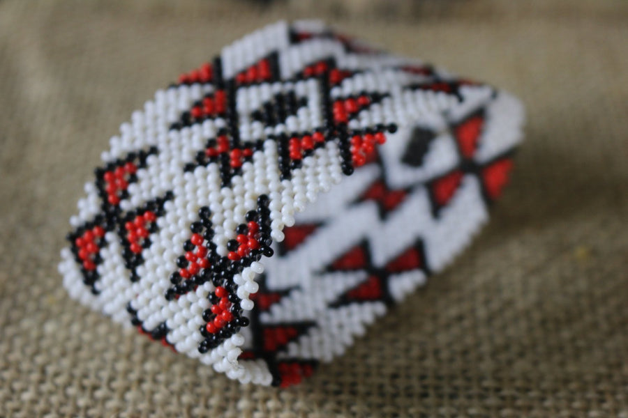 Art# K292  3+ inch. Original Kayapo Traditional Peyote stitch Beaded Bracelet from Brazil.