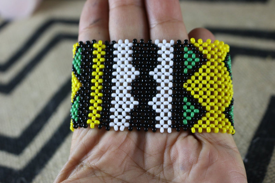 Art# K309  3+ inch. Original Kayapo Traditional Peyote stitch Beaded Bracelet from Brazil.