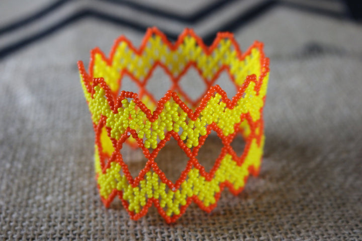 Art# K313  3+ inch. Original Kayapo Traditional Peyote stitch Beaded Bracelet from Brazil.
