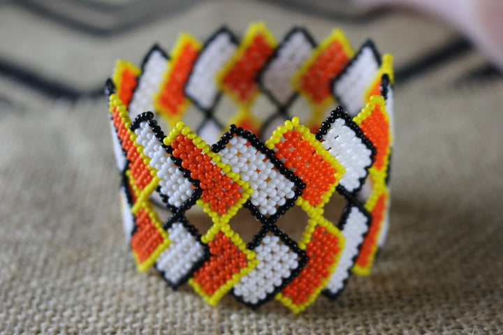 Art# K323  3.5  inch. Original Kayapo Traditional Peyote stitch Beaded Bracelet from Brazil