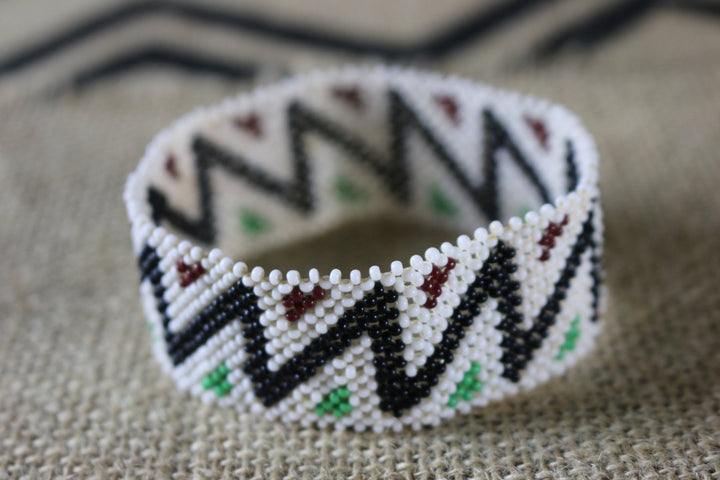Art# K332  3.5+ inch. Original Kayapo Traditional Peyote stitch Beaded Bracelet from Brazil