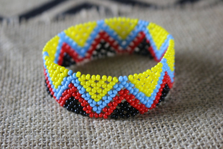 Art# K341  3.5+ inch. Original Kayapo Traditional Peyote stitch Beaded Bracelet from Brazil
