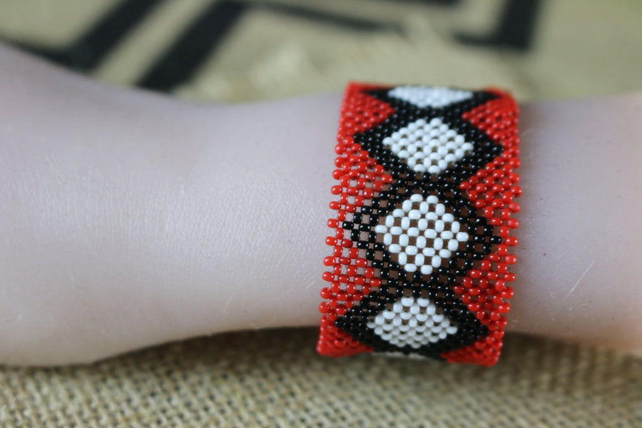 Art# K357  4 inch. Original Kayapo Traditional Peyote stitch Beaded Bracelet from Brazil
