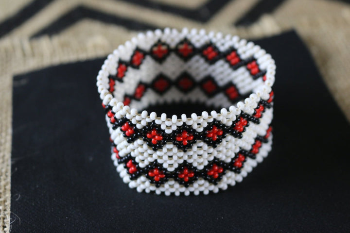 Art# K367  3+  inch. Original Kayapo Traditional Peyote stitch Beaded Bracelet from Brazil