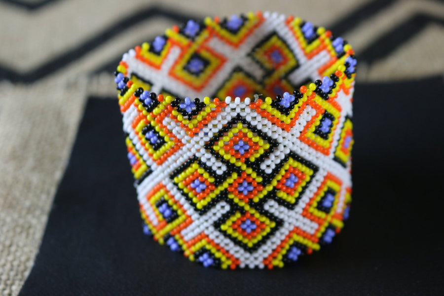 Art# K379  3+ inch. Original Kayapo Traditional Peyote stitch Beaded Bracelet from Brazil